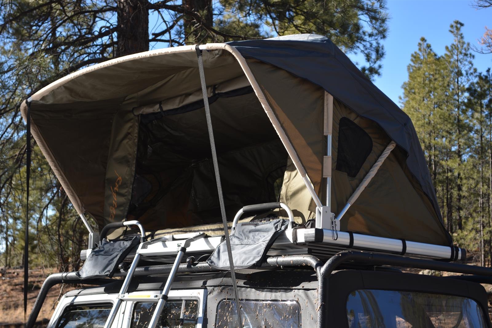Raptor Series Voyager Roof Top Tents 100000126800